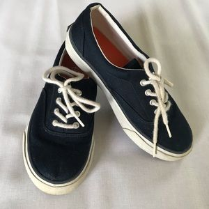 Kids Lands End canvas sneakers size 3